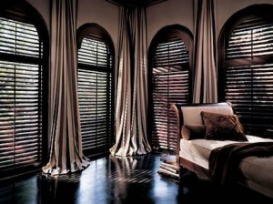 shutters-w-daperies